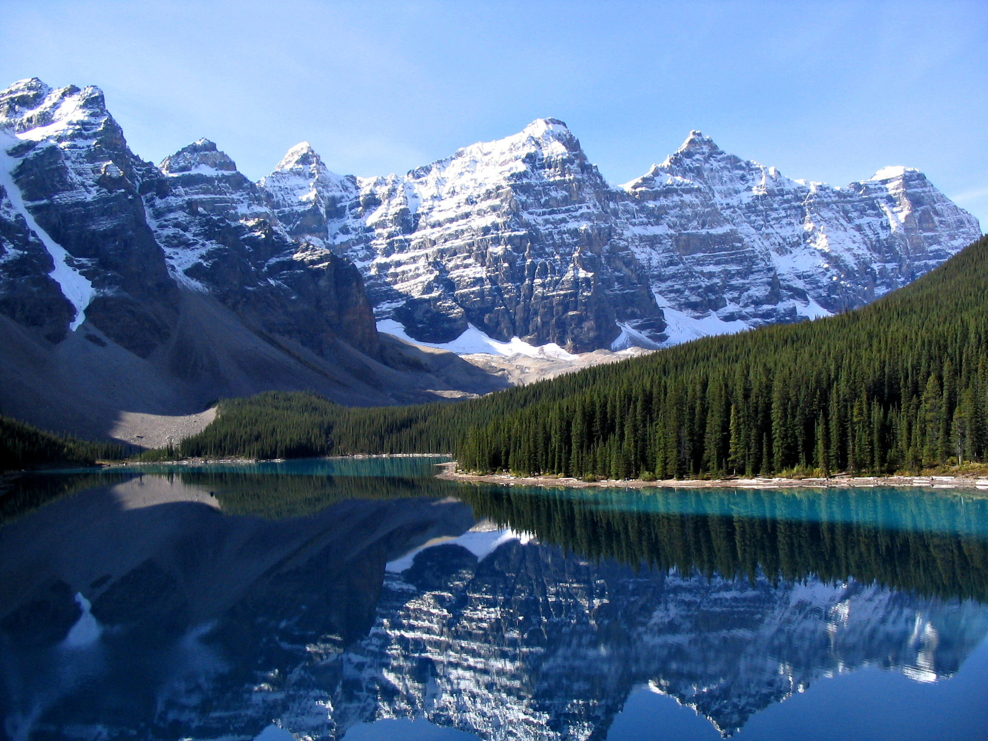 7 Essential Tips For Moving To Canada